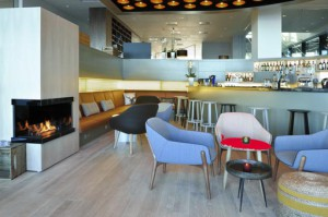 Courtyard-by-Marriott-Gdynia-Waterfront bar-main