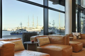 Courtyard-by-Marriott-Gdynia-Waterfront bar-view